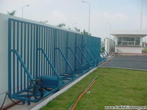 Cửa cổng sắt công ty CK261