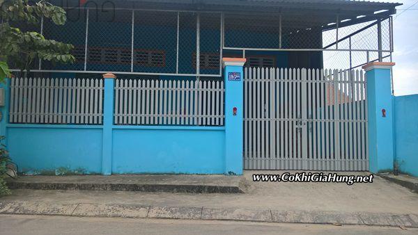 Cửa cổng sắt giả gỗ + hàng rào CK478 giá rẻ chỉ từ 750k/m2 tại TpHCM