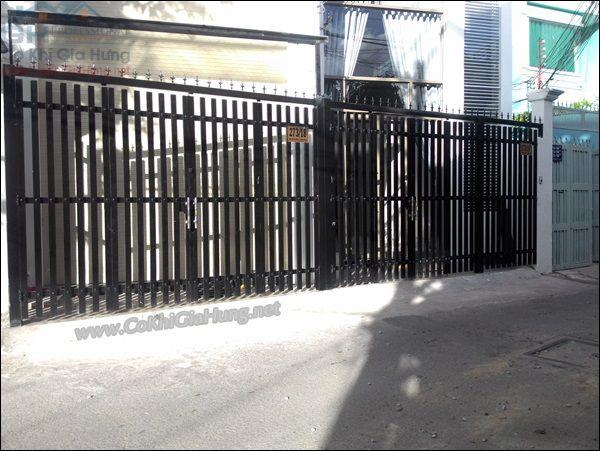 Dịch vụ làm cửa cổng sắt pano - giả gỗ trọn gói tại TpHCM
