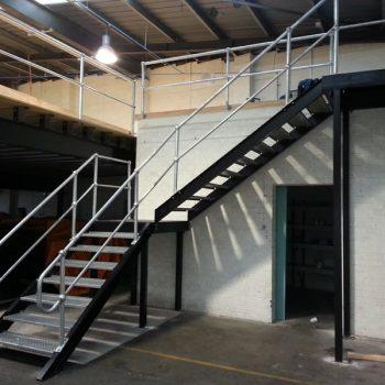 Công ty làm gác lửng + cầu thang sắt nhà kho - xưởng trọn gói tại TpHCM