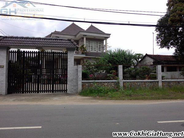 Cơ khí Gia Hưng chuyên làm mẫu cửa cổng sắt + hàng rào CK341 giá rẻ nhất