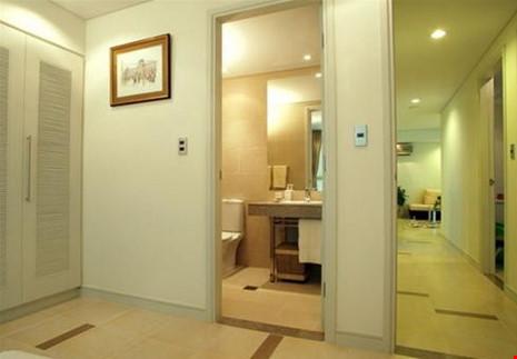 Một trong các nguyên nhân khiến cho chủ nhân luôn bất hòa là do cấu trúc cửa cắt cửa. Ảnh minh họa