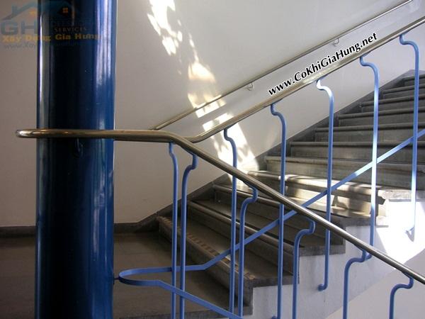 Mẫu tay vịn cầu thang sắt rất đẹp mắt CK246 tại Cơ khí Gia Hưng