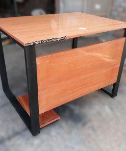 Bàn văn phòng khung chân sắt mặt gỗ cao su GHB-1328