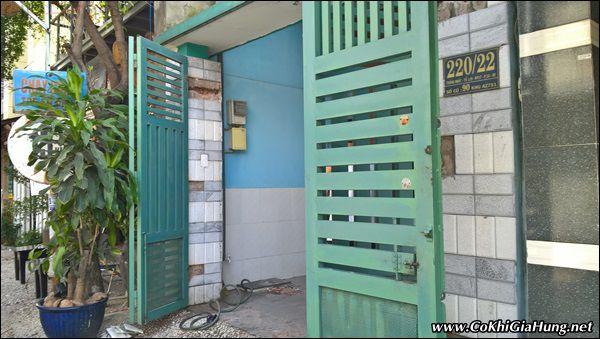 Dời cửa cổng sắt 4 cánh nhà chú Sơn - Gò Vấp