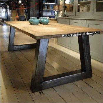 Mẫu bàn ăn khung sắt mặt gỗ CKB735 mua ở đâu?