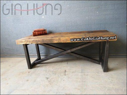 Bàn khung sắt mặt gỗ GHB670
