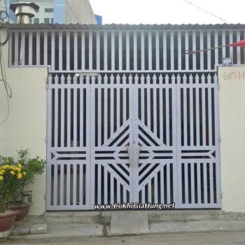 Mẫu cửa cổng sắt CK710 tại đường TX14, phường Thạnh Xuân, quận 12