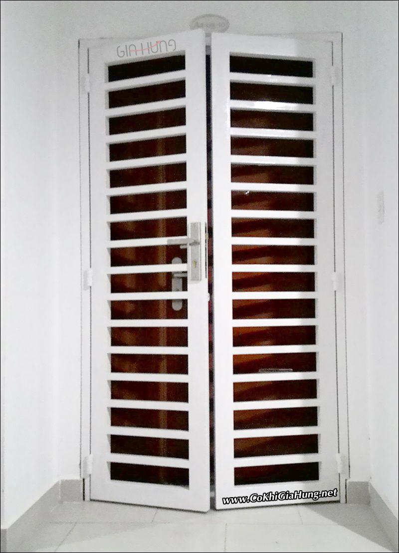 Mẫu cửa sắt chưng cư CK684 đẹp tuyệt vời- giá rất tốt tại 4S Riverside Linh Đông - Thủ Đức
