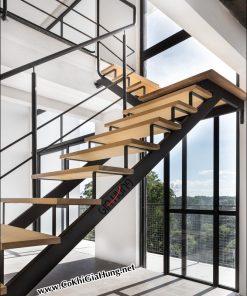 Mẫu cầu thang sắt hộp bậc đi gỗ CK909 công ty nào làm đẹp nhất?