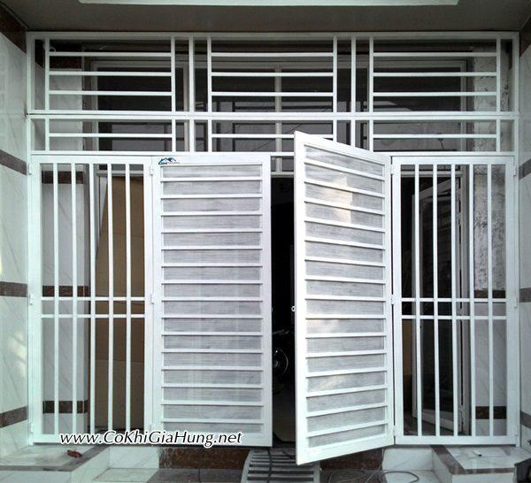 Giá làm cửa cổng song sắt hộp mạ kẽm CK944 bao nhiêu một m2?