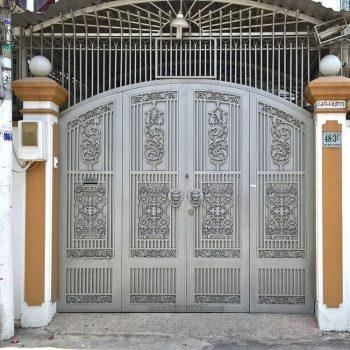 Cơ sở nào làm mẫu cửa cổng sắt CK1053 giá tốt tại TpHCM?