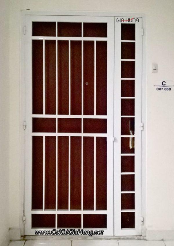 Mẫu cửa sắt chung cư 2 cánh CK1083 giá trọn gói chỉ 3.5tr