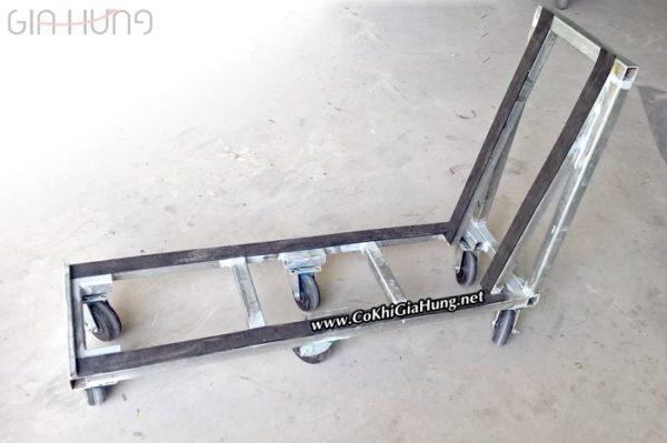Xưởng cơ khí Gia Hưng chuyên sản xuất xe đẩy hàng sắt hộp CK1086 theo yêu cầu