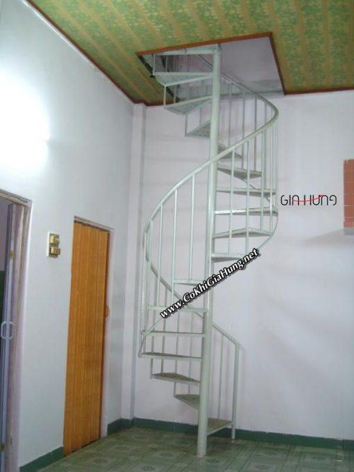 Xưởng cơ khí chuyên làm cầu thang sắt xoắn ốc nhà phố CK1160