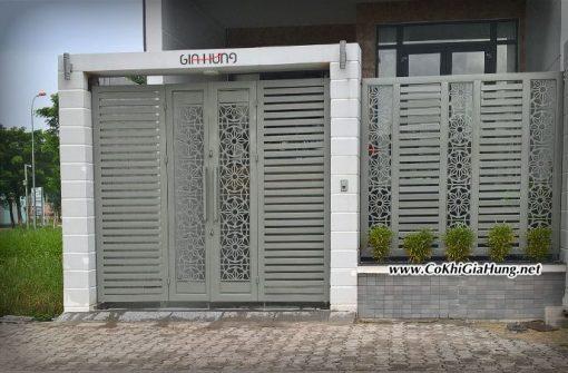Cửa cổng sắt hộp hoa văn CNC GHC 1336 tại khu dân cư Vạn Phúc, quốc lộ 13, quận Thủ Đức